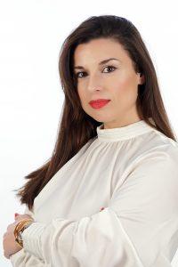 Ada Hajdini profesional de marketing digital